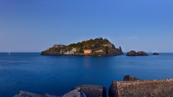 Aci Trezza - Islands of the Cyclops wallpaper