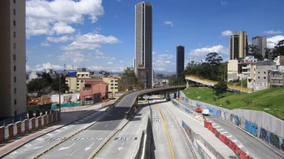 Freeway in Bogotá wallpaper
