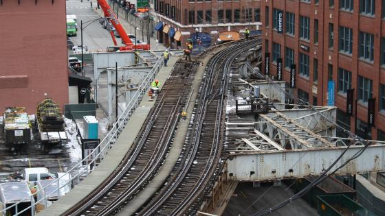 Construction on the Hubbard Curve in Chicago wallpaper