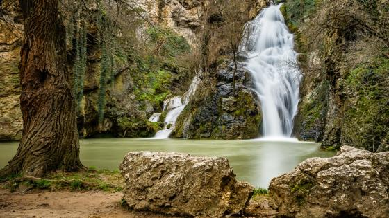 Хотнишки Водопад (Waterval van Hotnitsa) wallpaper
