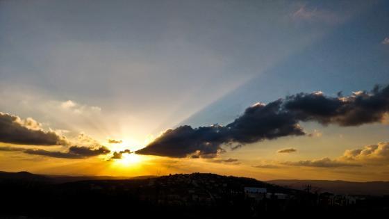 Sunset godrays wallpaper
