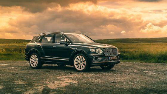 Bentley Bentayga SUV wallpaper