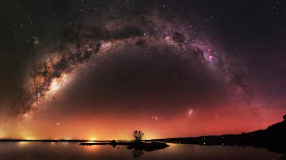 Milky way over the Island Point Reserve, Australia wallpaper