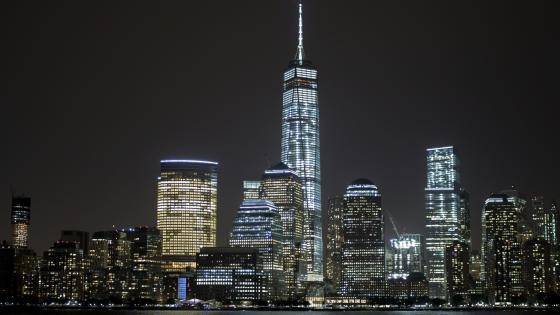 One World Trade Center by night wallpaper