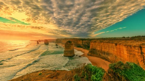 Twelve Apostles at the coast of Port Campbell National Park wallpaper