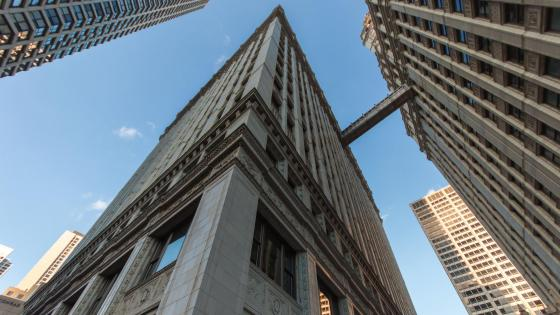 Worm's-Eye View of a Building in Chicago wallpaper