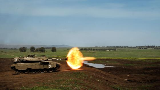 Muzzle Flash from a Tank wallpaper