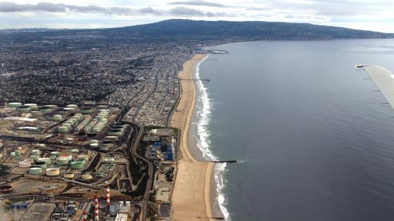 Aerial View of Manhattan Beach in California wallpaper