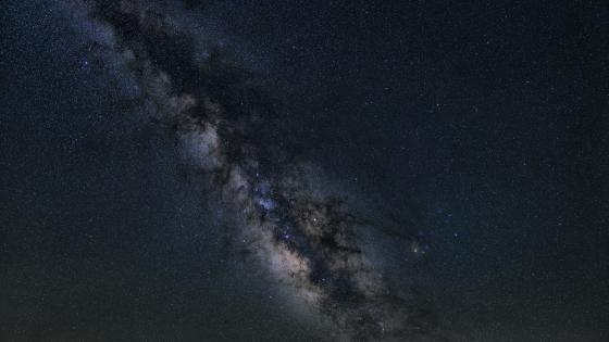 Milky Way in the Night Sky wallpaper