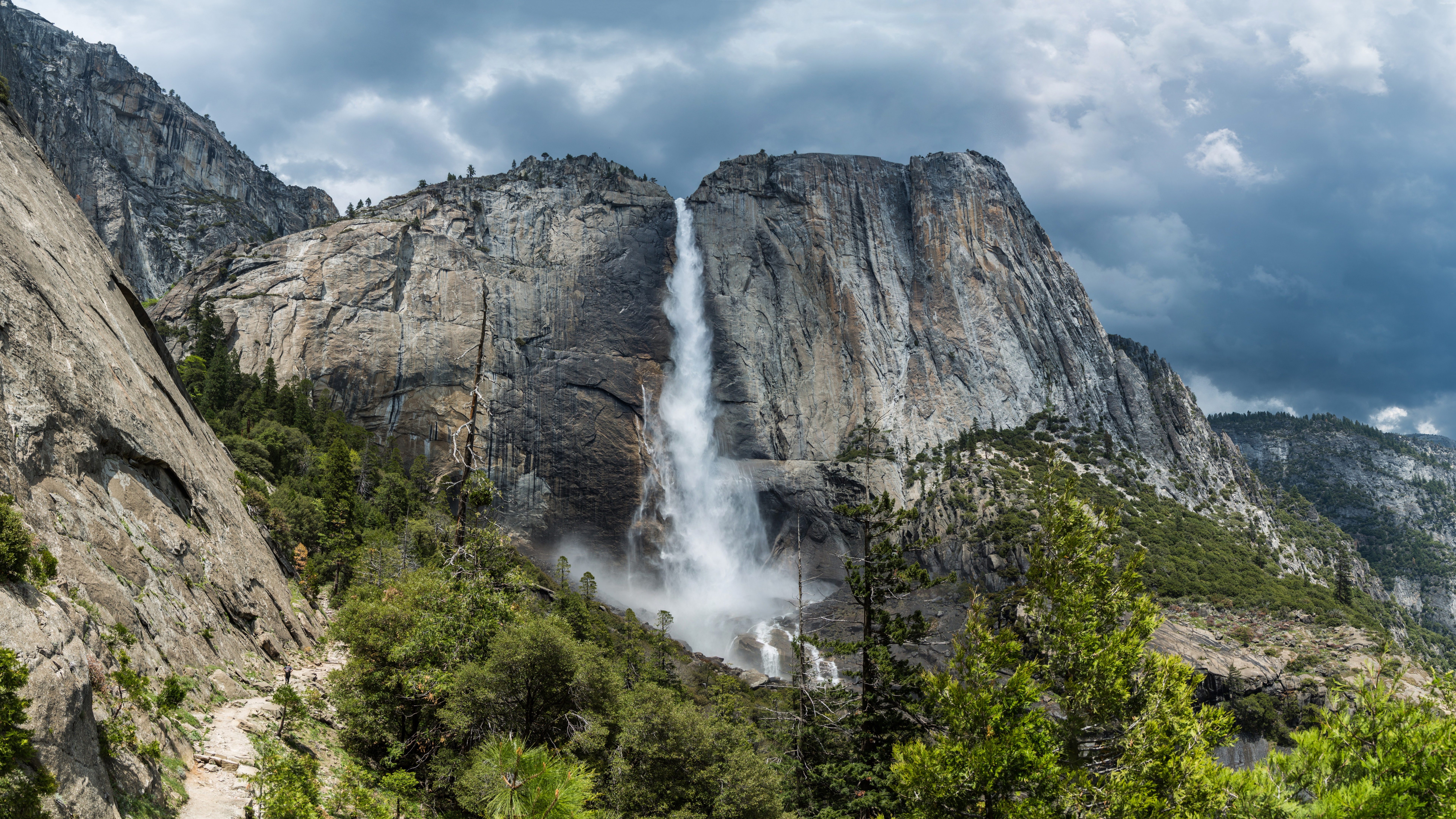 Yosemite Falls (Yosemite National Park) wallpaper