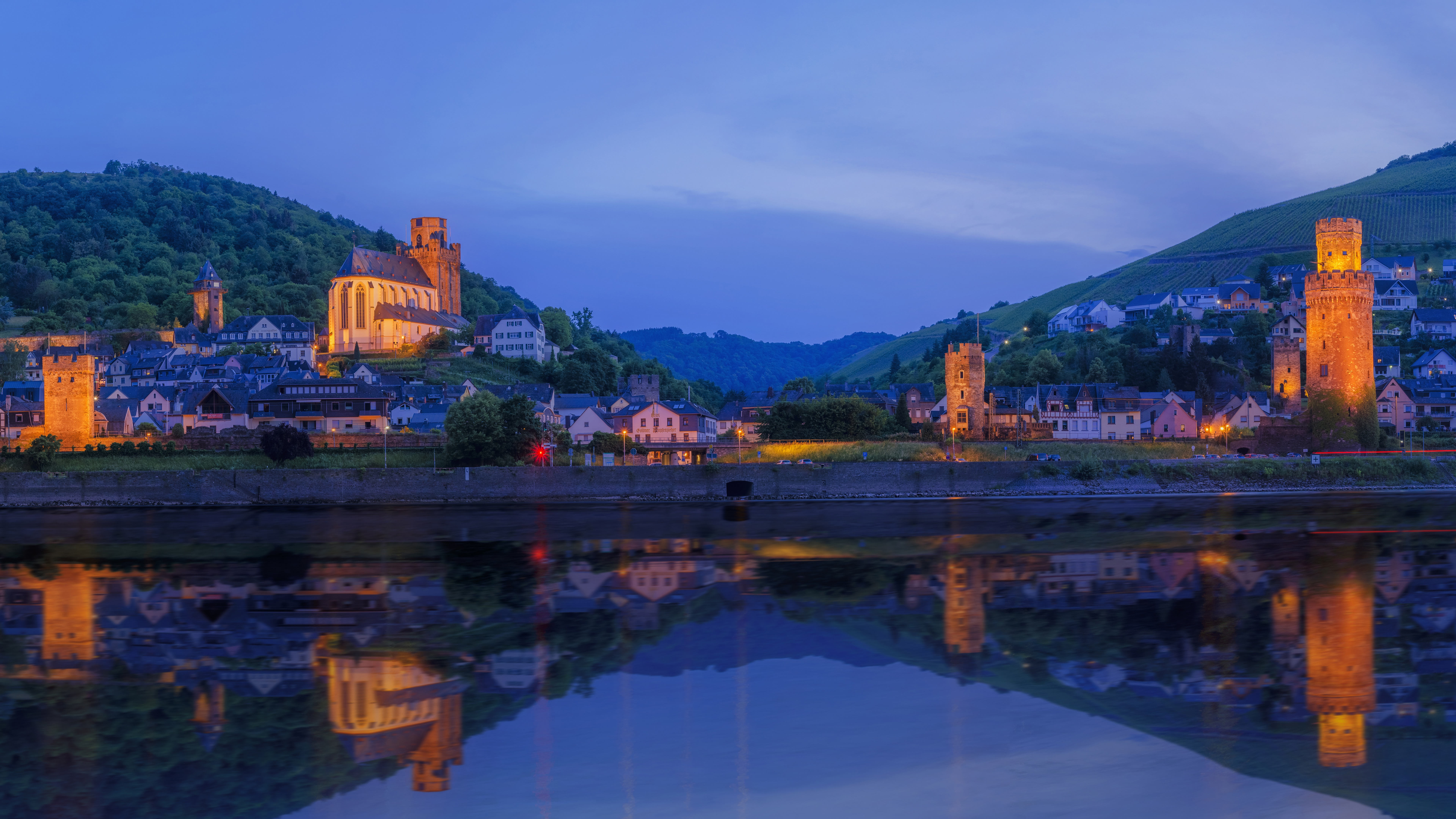 Oberwesel from River Rhine wallpaper