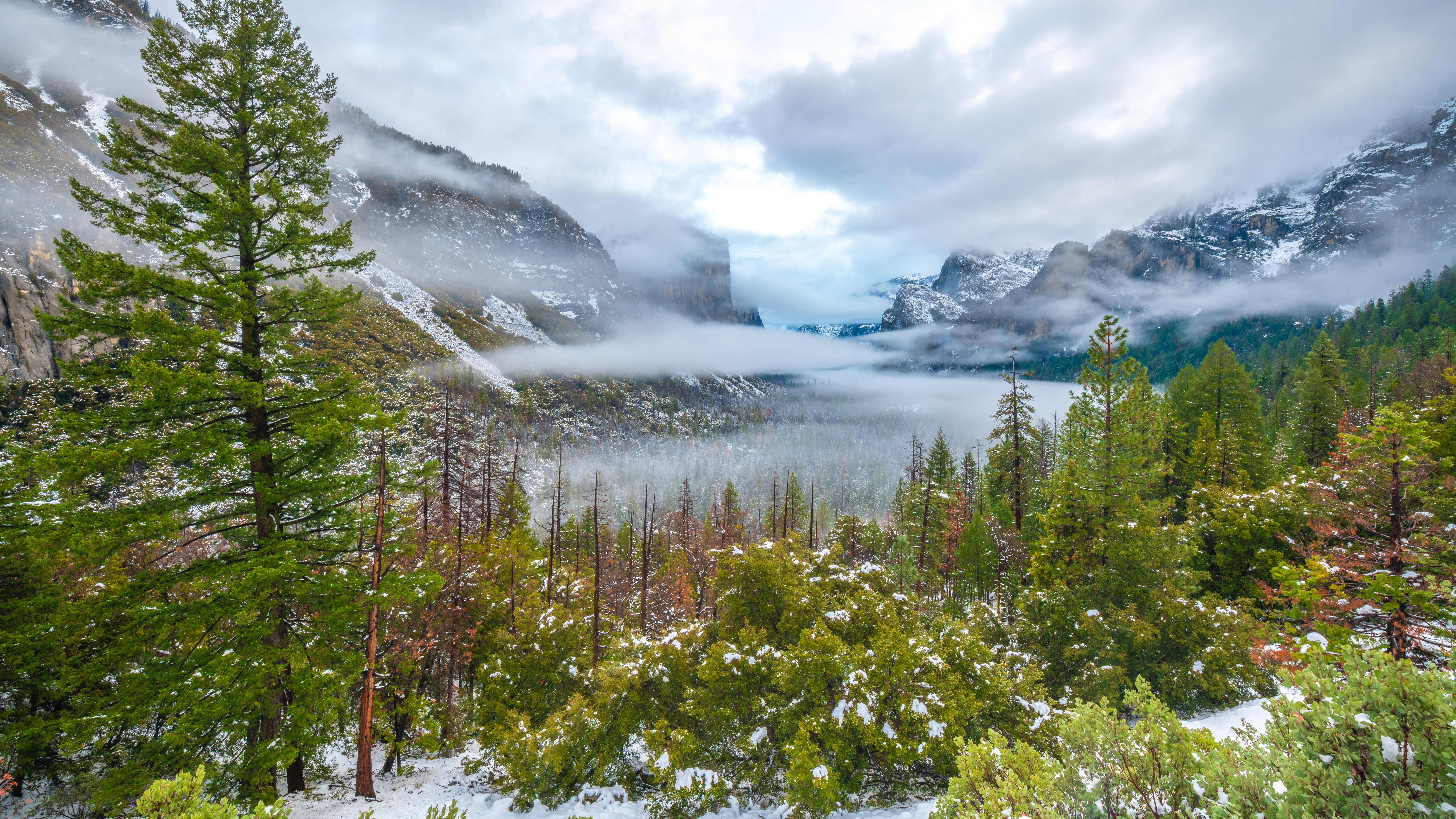 Yosemite Valley winter scenery wallpaper