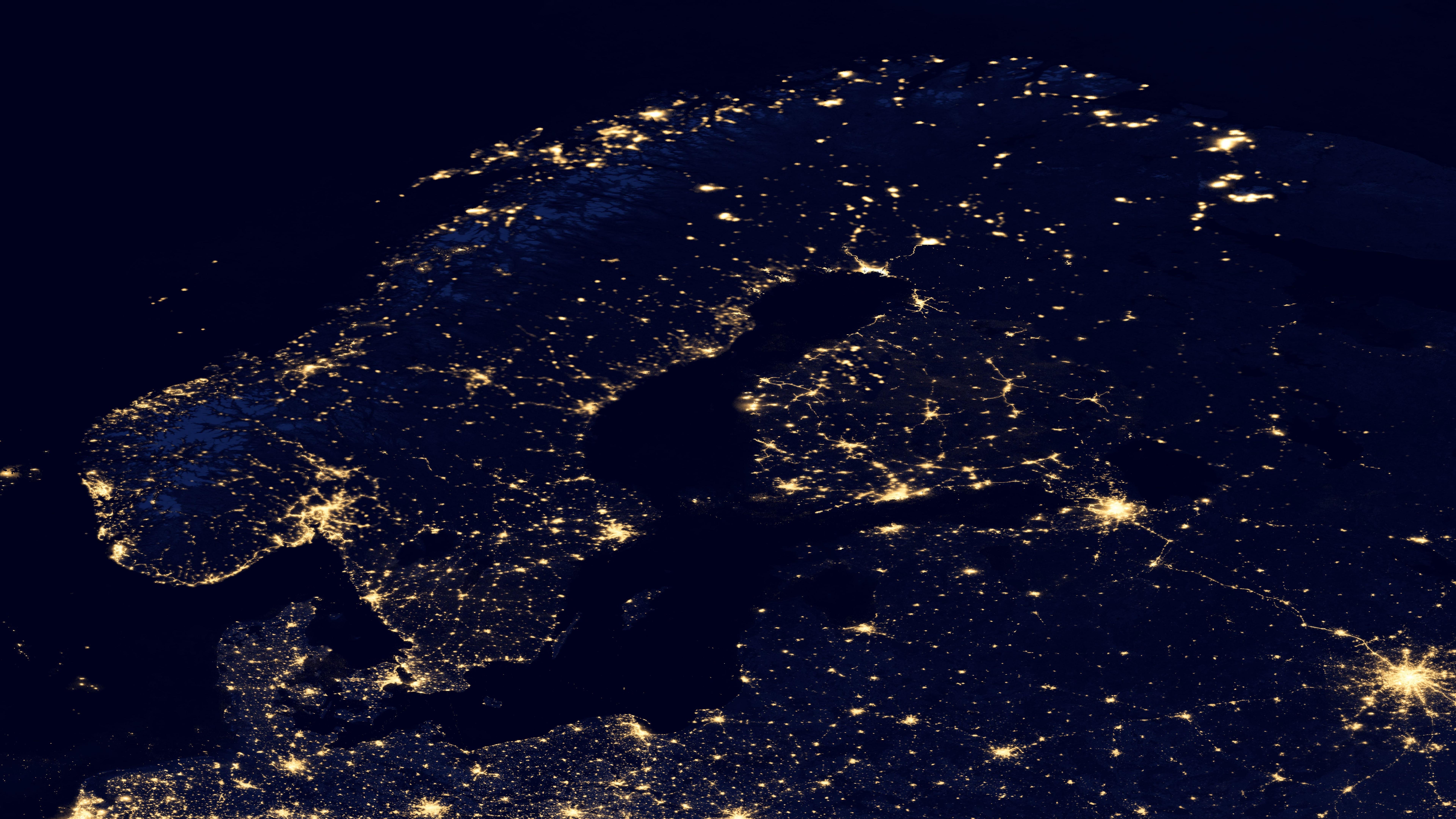 Night Lights of the Scandinavian Peninsula v2012 wallpaper