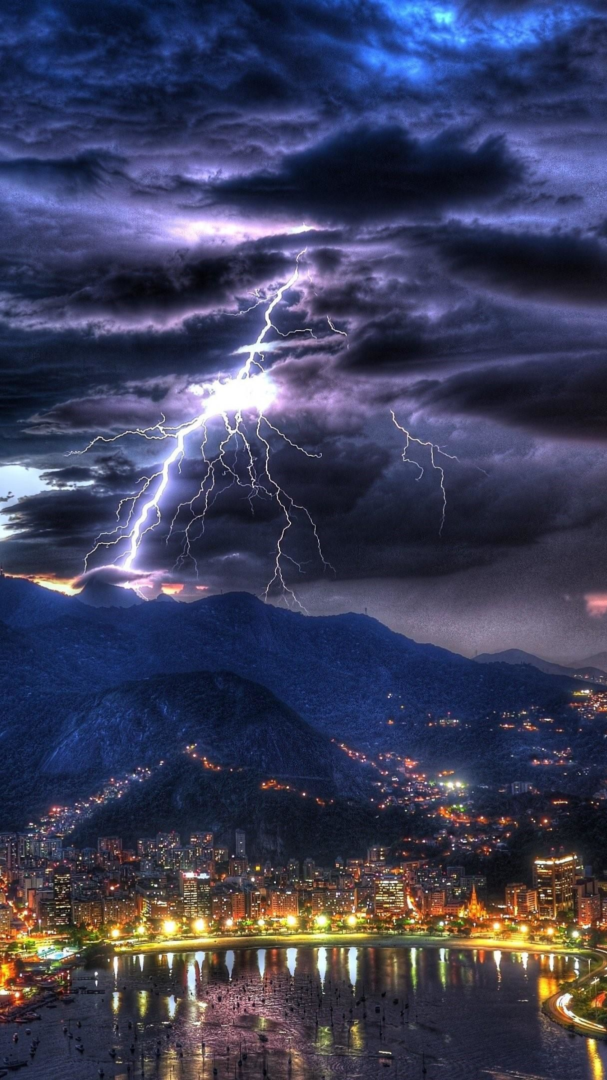 Lightning above rio de janeiro 4k ultrahd wallpaper backiee free ultra hd wallpaper platform - Lightning wallpaper 4k ...